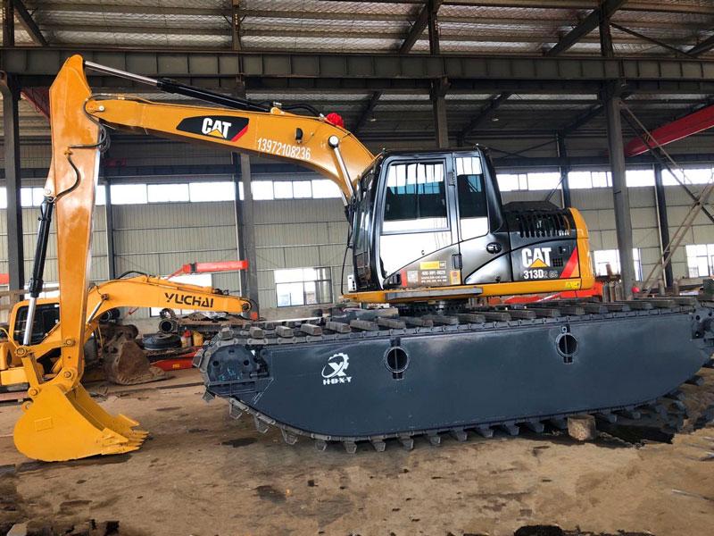 斗山DH220标配20吨级水陆挖掘机浮箱