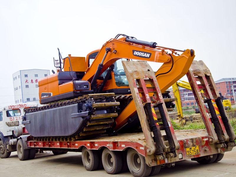 定制型两栖浮箱-水陆挖掘机改装