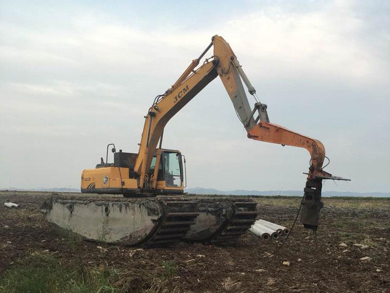水陆挖掘机打桩机_震动打桩机出租改装价格