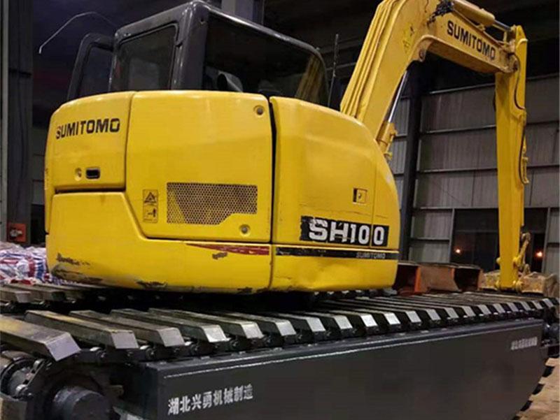 住友SH100标配8吨级水陆挖掘机浮箱