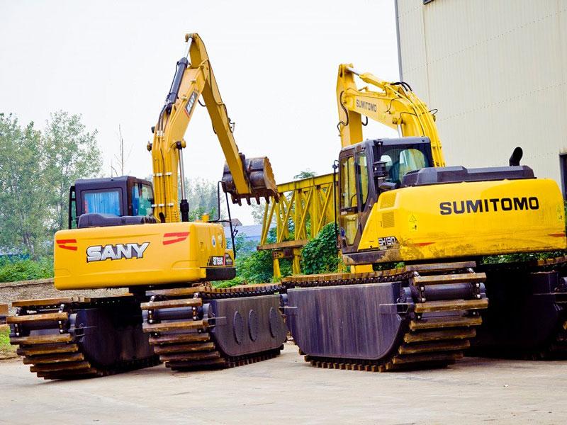 住友SH130标配15吨级水陆挖掘机浮箱