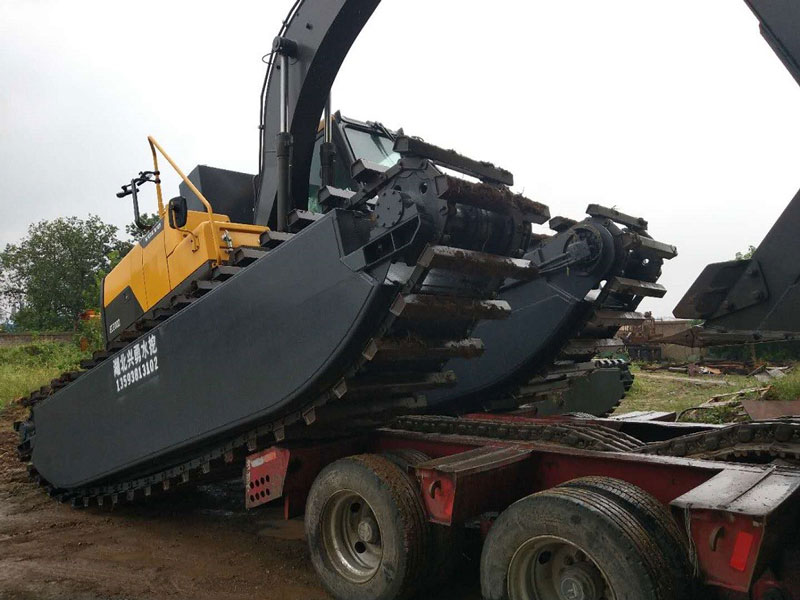 VOLVO EC2000标配20吨级水陆挖掘机浮箱