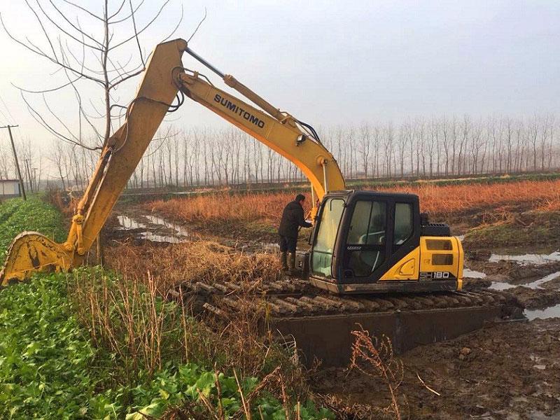 住友SH180标配20吨级水陆挖掘机浮箱